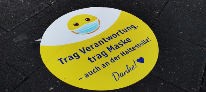 PaderSprinter: Bodenaufkleber in den Fahrzeugen zur Maskenpflicht im Bus
