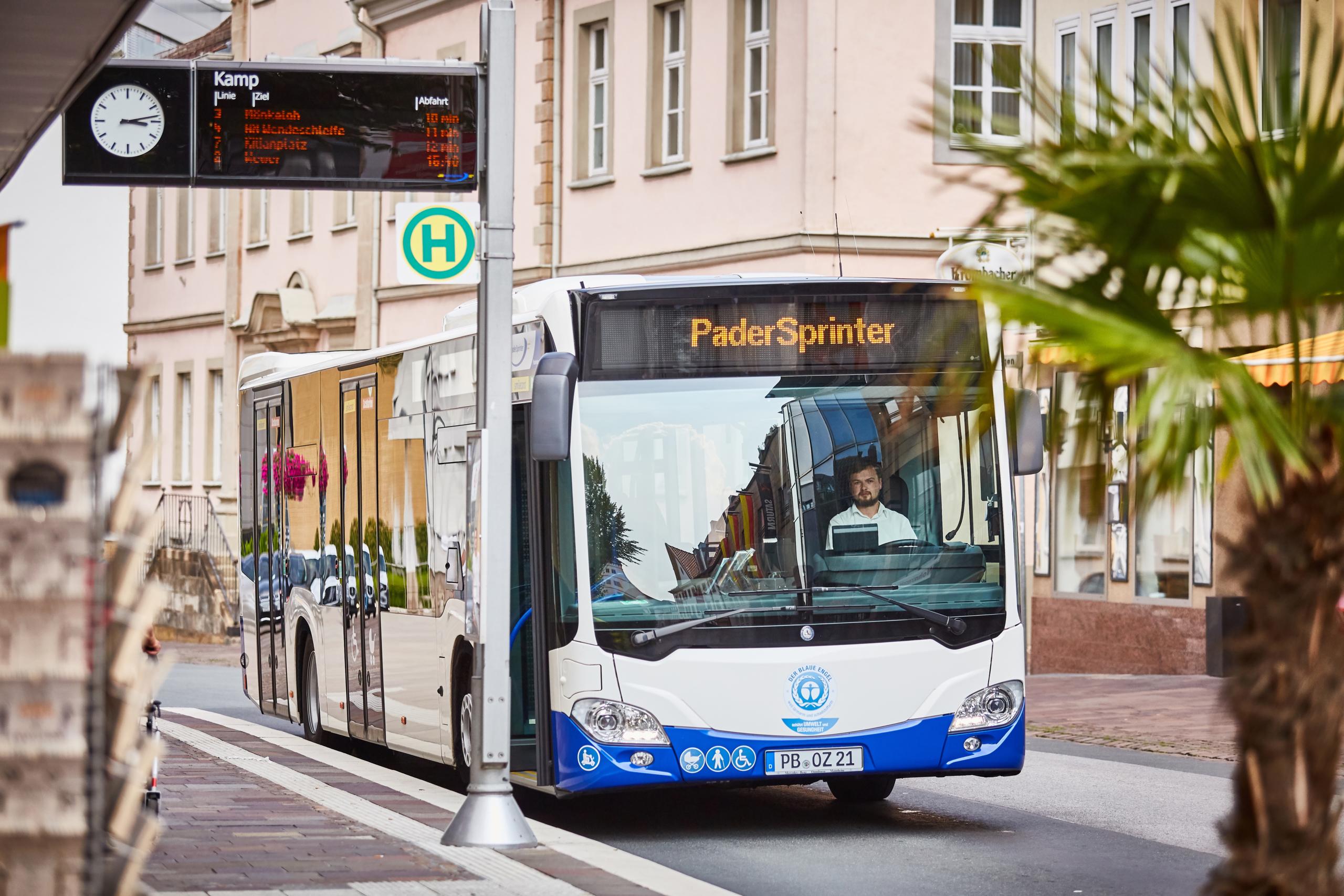 PaderSprinter Bus an der Haltestelle Kamp in Paderborn