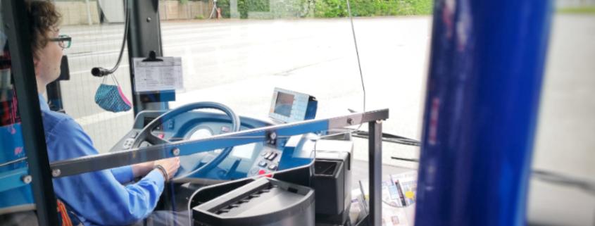 PaderSprinter Tcketverkauf im Bus mit Trennscheibe